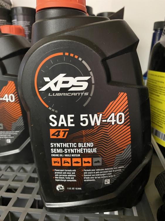 XPS polosyntetický motorový olej 946ml